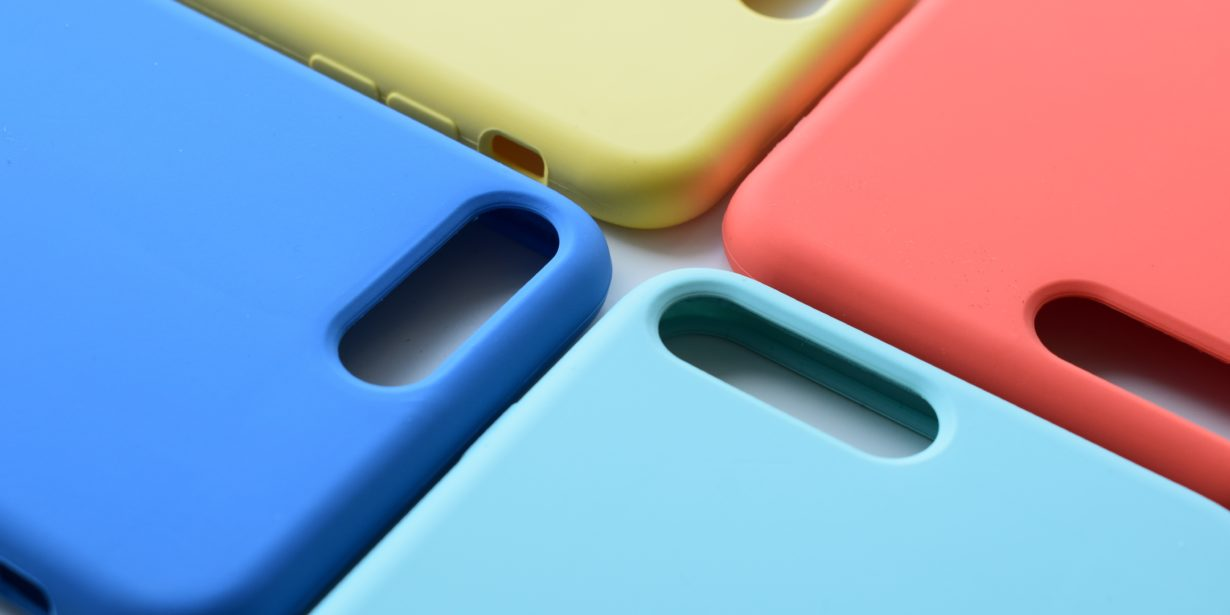 silicone vs plastic - phone cases
