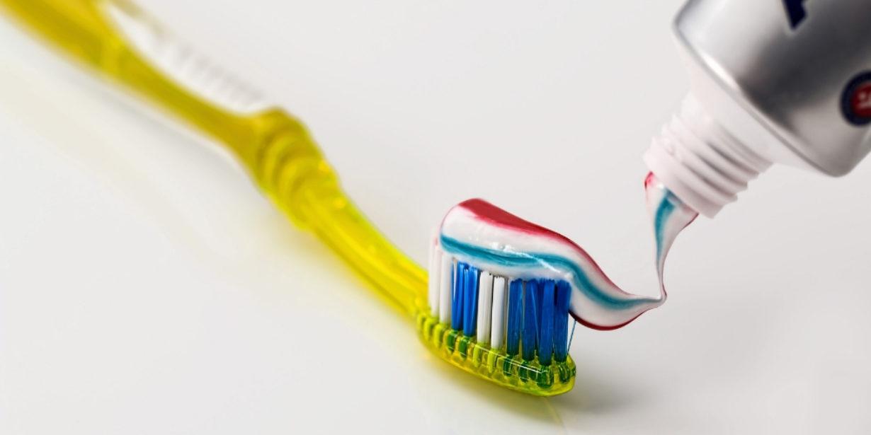 plastic free toothpaste