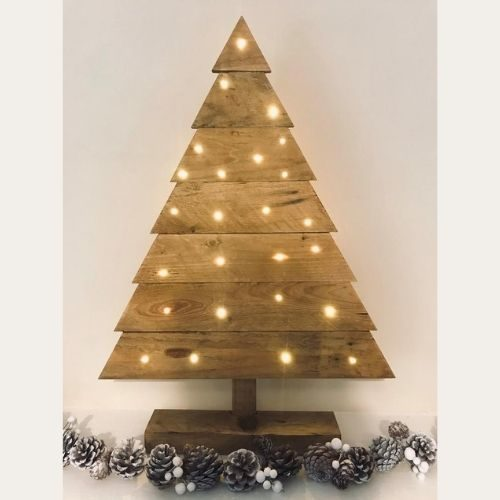 Handmade Christmas Tree (From Pallet Wood)